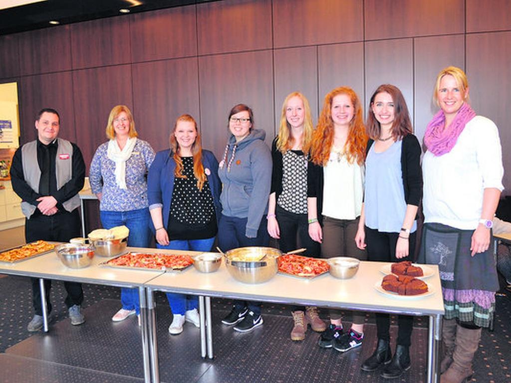2018-schulverein-kuchenbufett